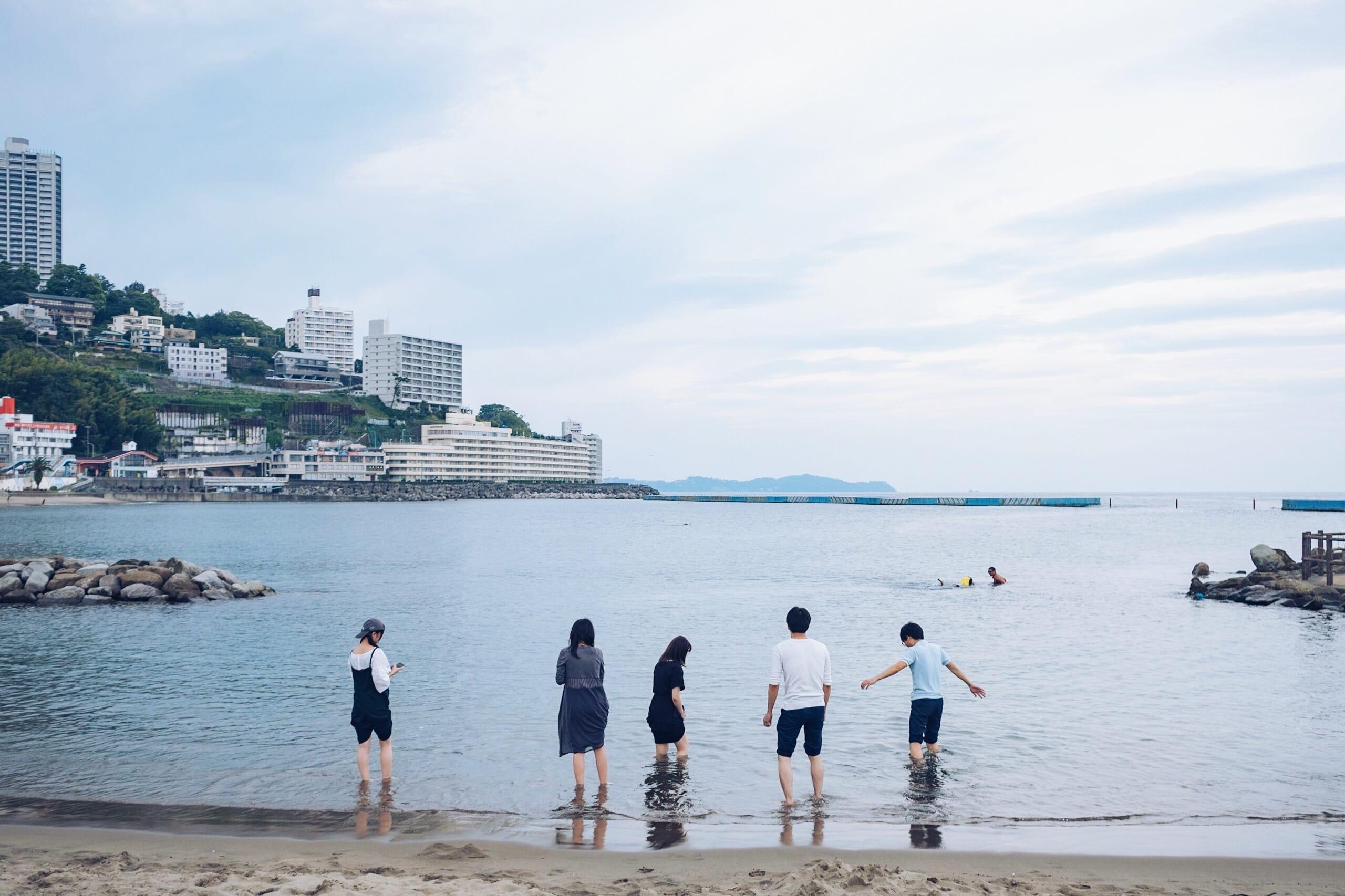 トバログと、カメラ片手に海の見える駅「根府川」へ|#旅とFUJI