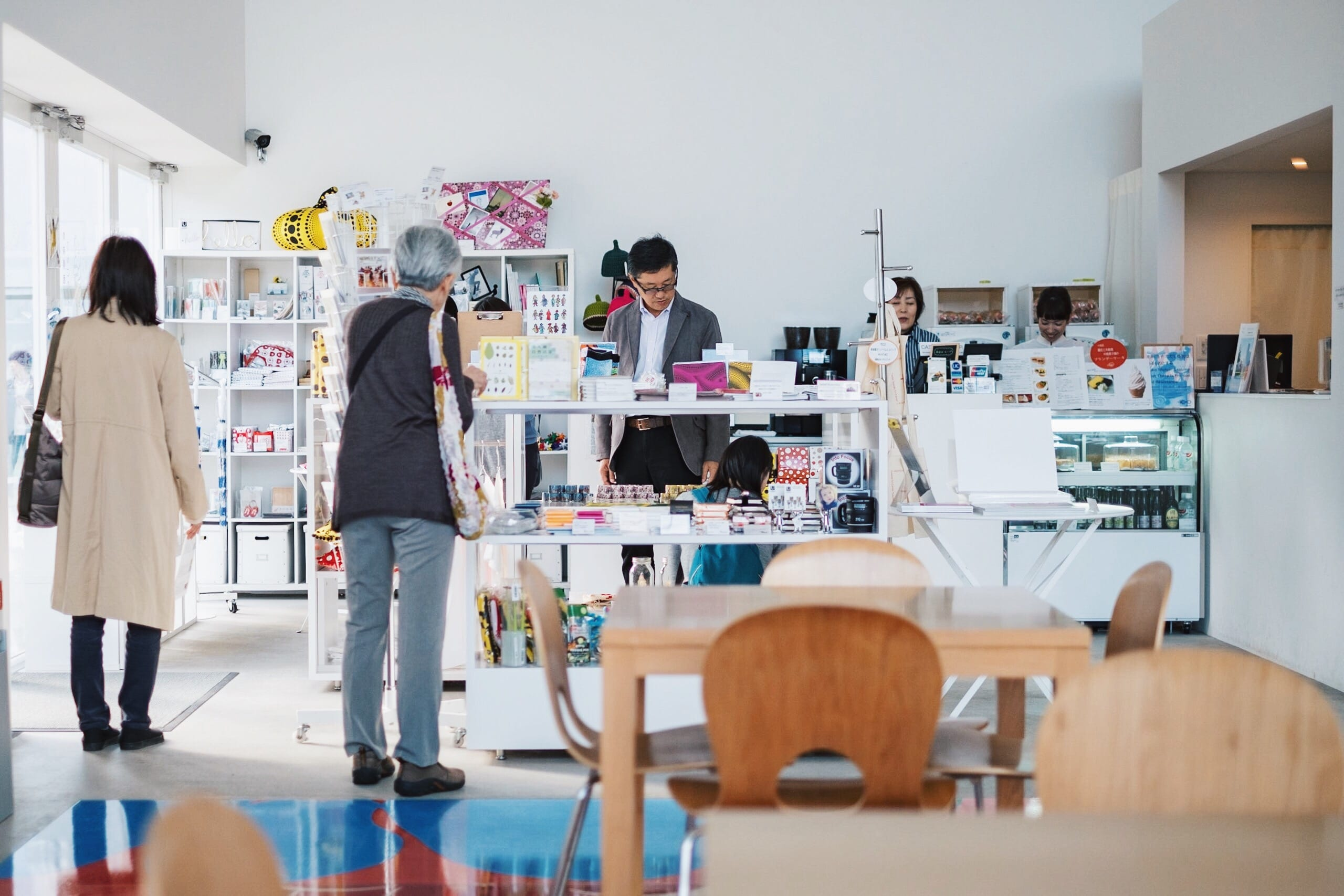 訪れた街で快適な仕事場を探す。十和田のWi-Fiスポット・カフェ 5つ|青森