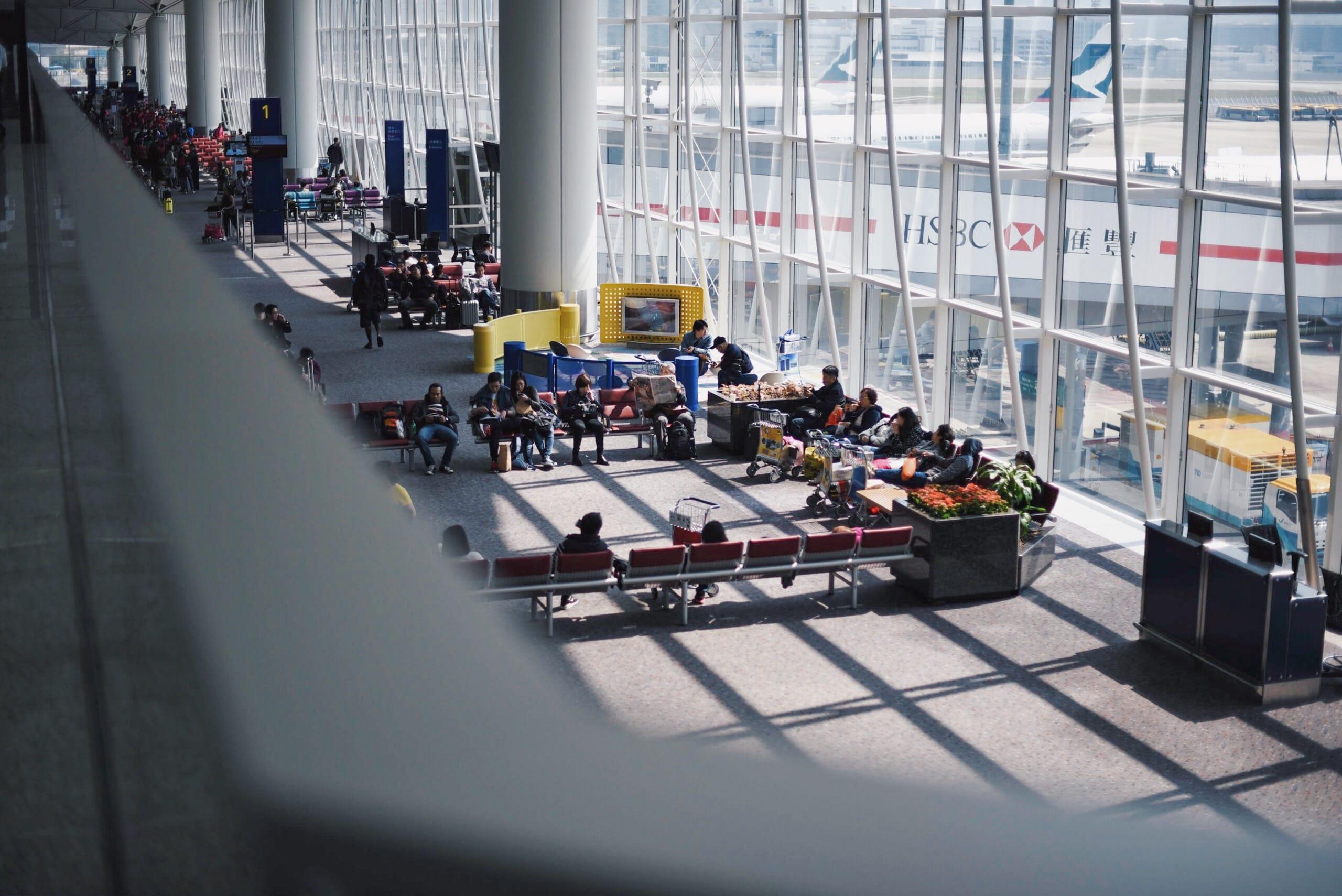 空港ラウンジが使えるおすすめカードは「楽天プレミアムカード」一択【海外旅行行く人は必須】