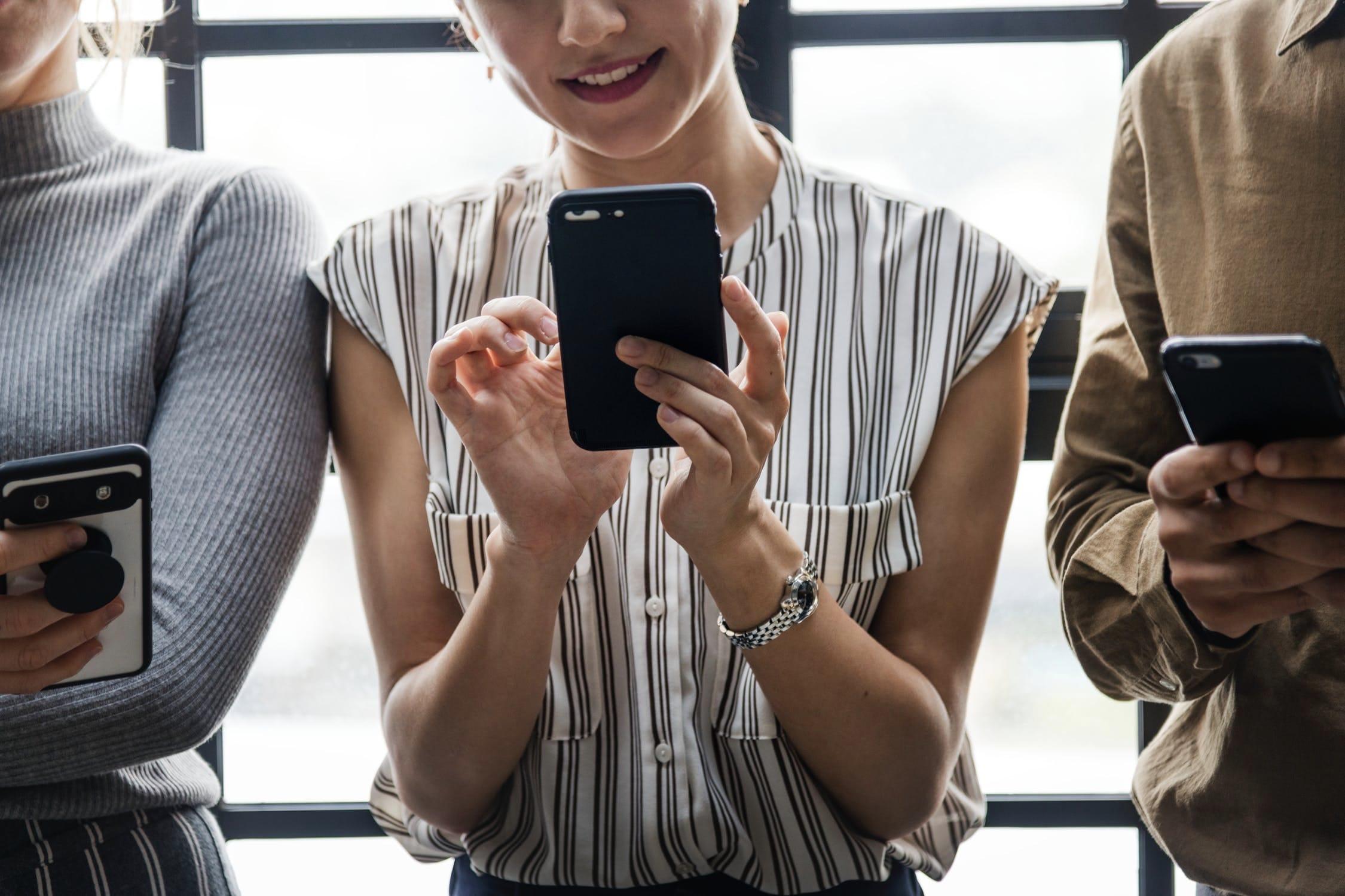 海外でスマホをネットに接続するおすすめの方法 3つ【利用スタイル別に解説】